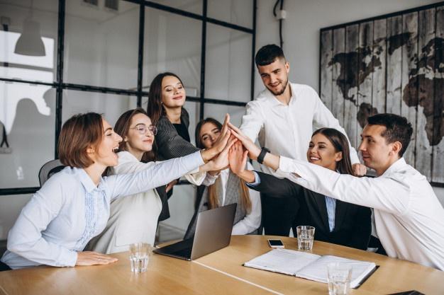 grupo-personas-trabajando